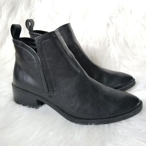MERONA BLACK ANKLE BOOTS SIZE 8